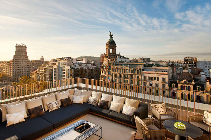 Барселона пополняет бюджет города за счет туристов