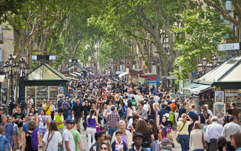 Барселонцы против туристов