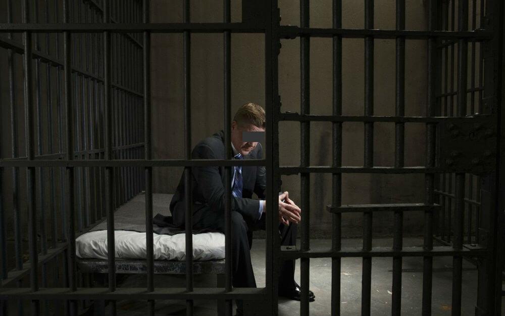 Дебоширишь – в тюрьму