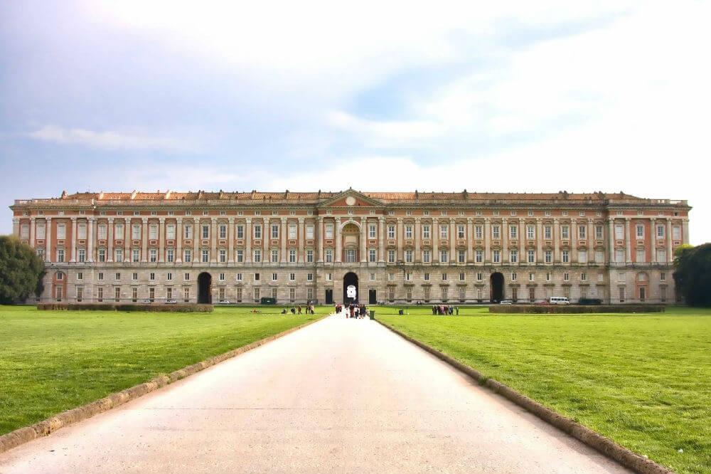 Дворец Бурбонов вновь открывается спустя 25 лет
