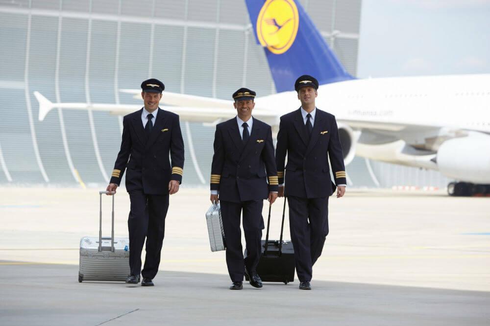 Немцы усиливают контроль за пилотами