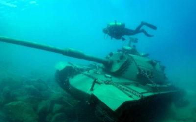 Чего не сделаешь ради туристов: в Анталии затопили танк