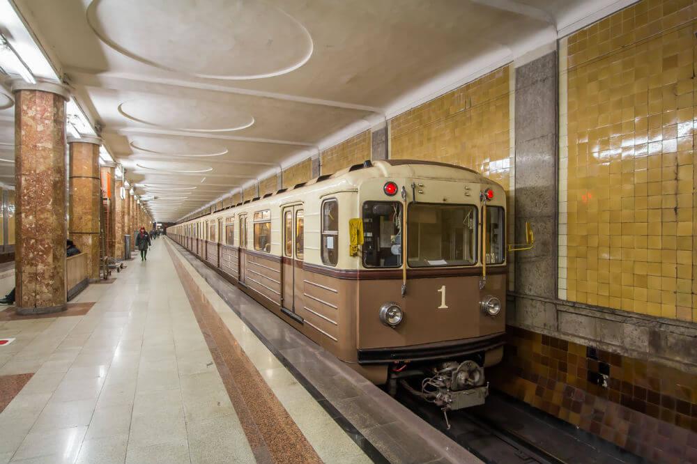 День поездов в метро Москвы