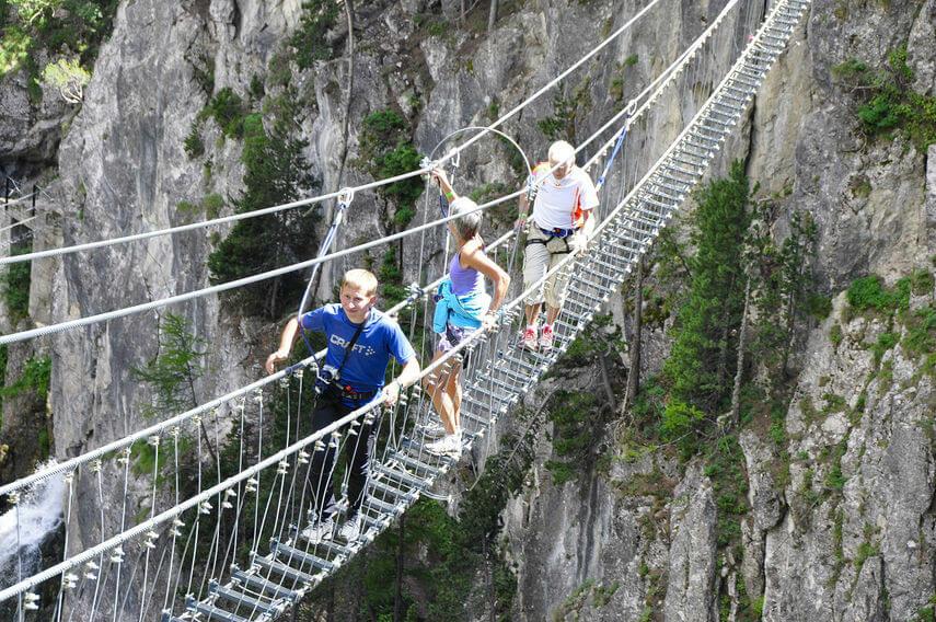 Самый длинный подвесной мост открывается в Италии