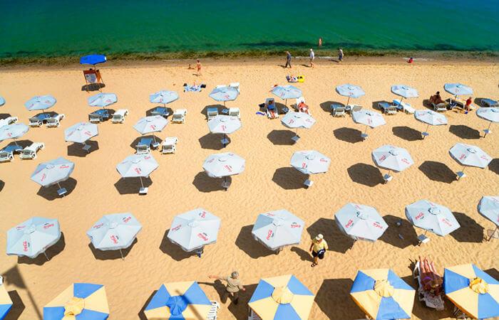 В Болгарии на пляжах наводят порядок