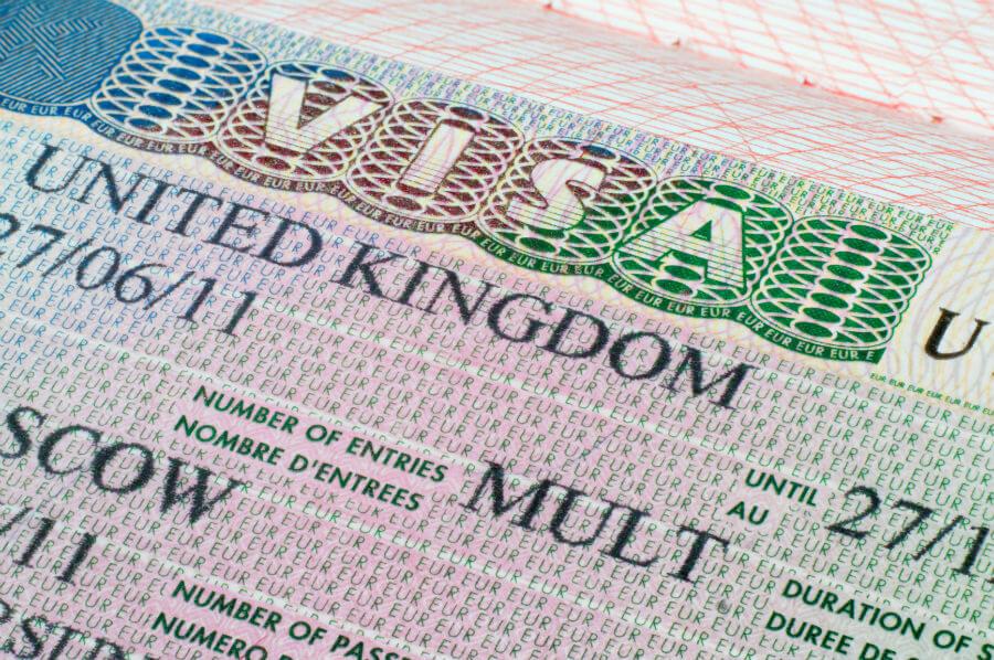 Великобритания повысила цену за оформление визы