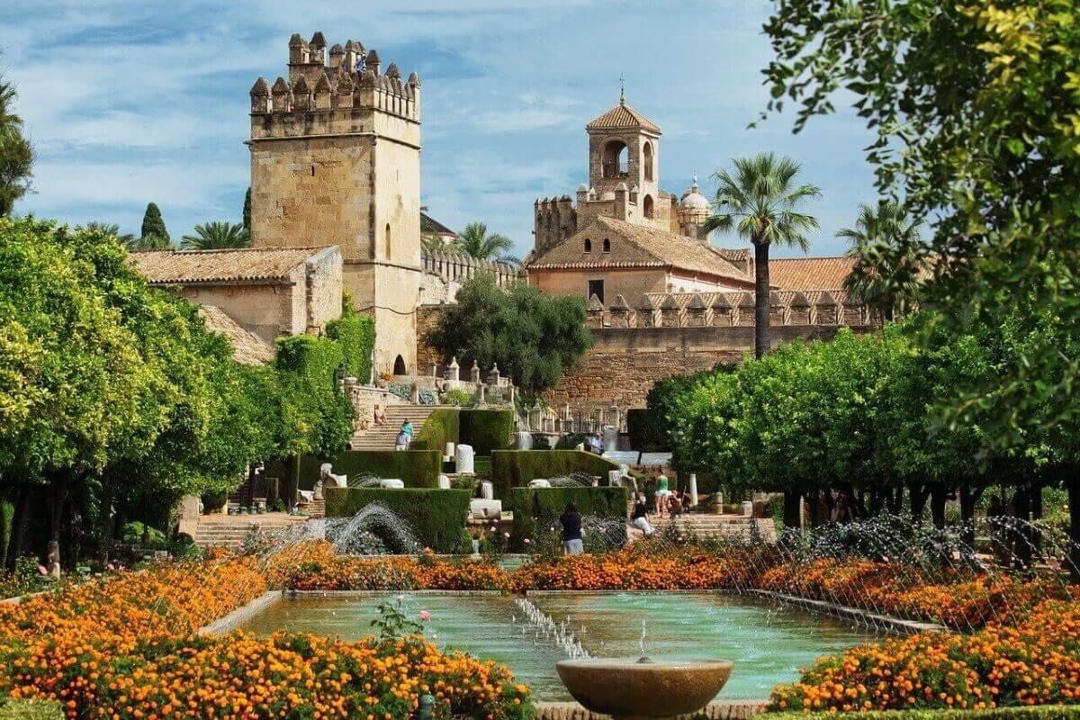 Алькасар в Испании