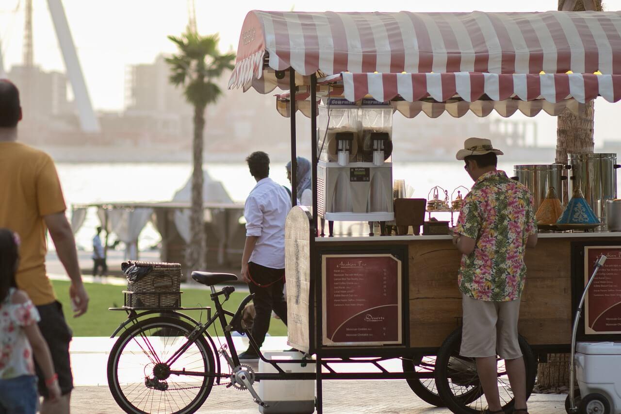 Местные жители в ОАЭ
