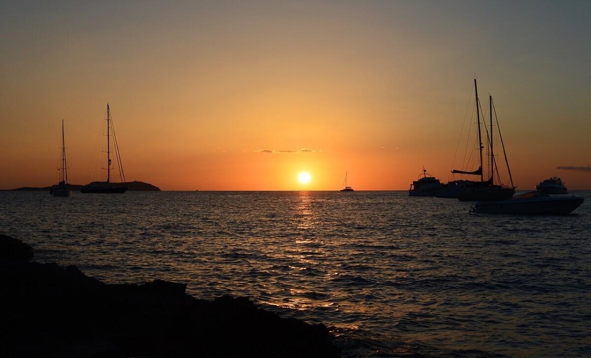 Закат на острове Ибица