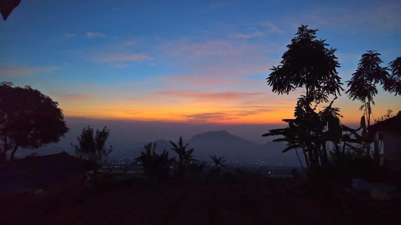 Закат в Индонезии