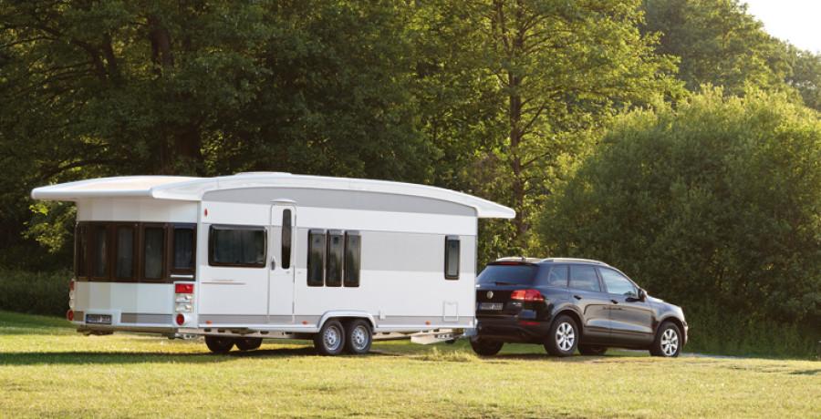 Караванингом называют путешествие на специально оборудованном транспортном средстве, которое являет собою дом на колёсах.