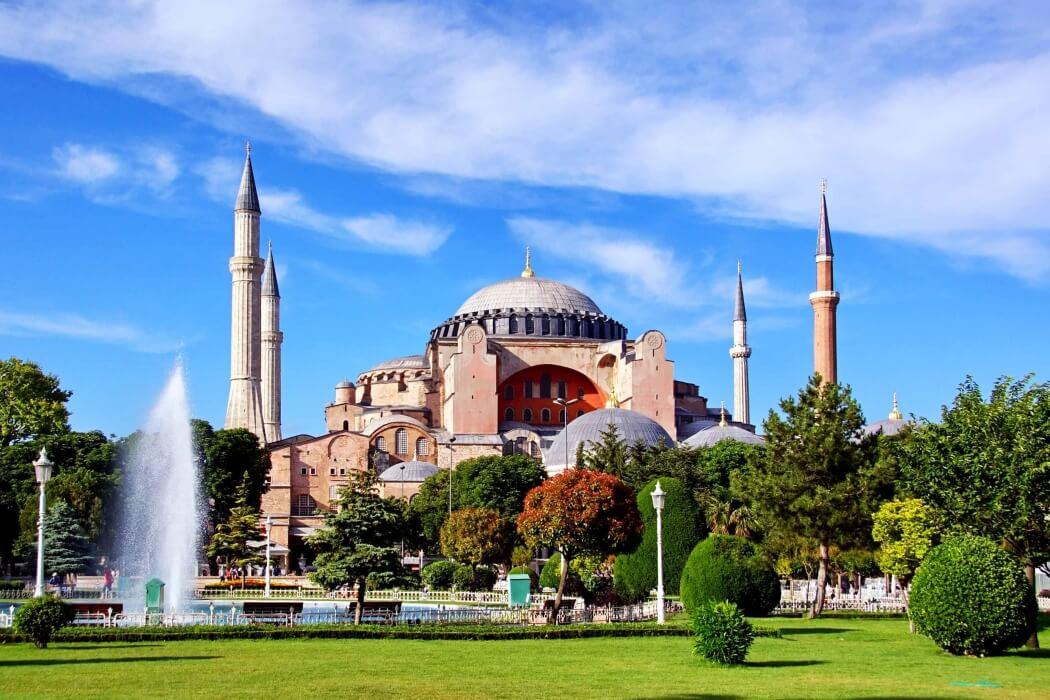 Айя-София - символ золотого века Византии.