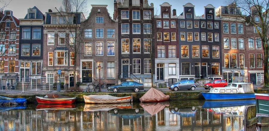 Амстердам является одним из самых популярных туристических центров Европы