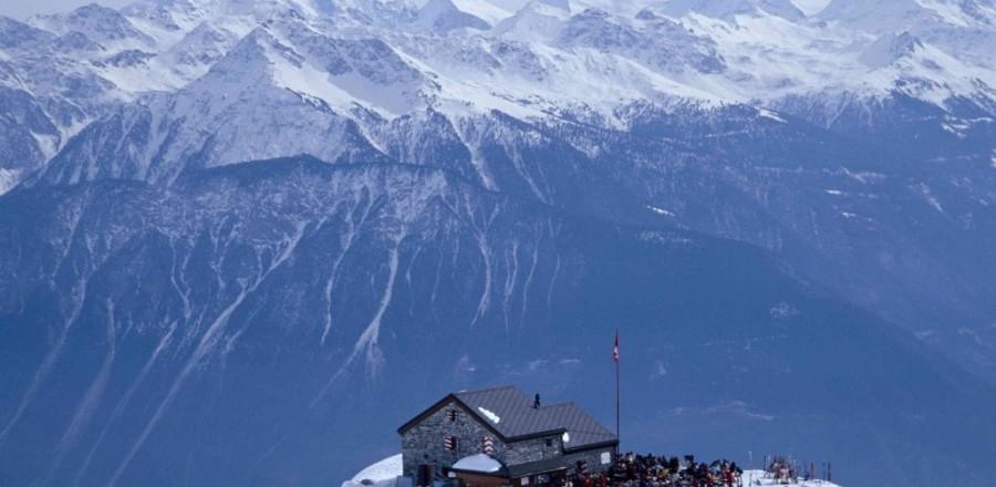Горнолыжный курорт Швейцарии Кран-Монтана расположен в кантоне Valais на высоте 1500 м.