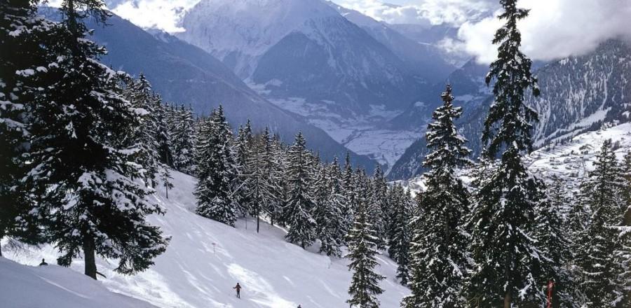 Катание на лыжах в Швейцарских альпах