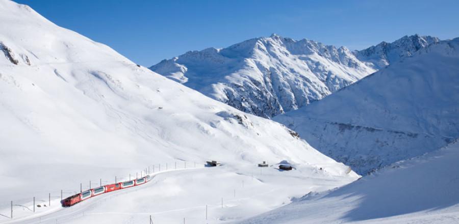 Начиная с 1930 года, функционирует Ледниковый экспресс, соединяющий два крупнейших горных курорта Санкт-Мориц и Церматт