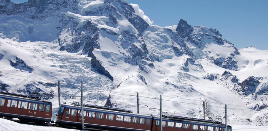 8 часов путешествия в Ледниковом экспрессе из Ст. Мориса через горы и долины