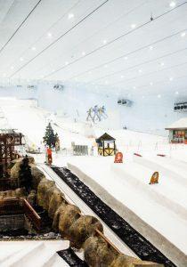 Ski Dubai — первый и крупнейший горнолыжный курорт с парком развлечений