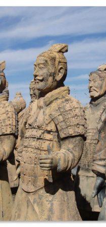 Усыпальница императора была обнаружена в 1974 году, сначала китайскими крестьянами, копающими колодец, а затем идентифицирована опытными археологами.