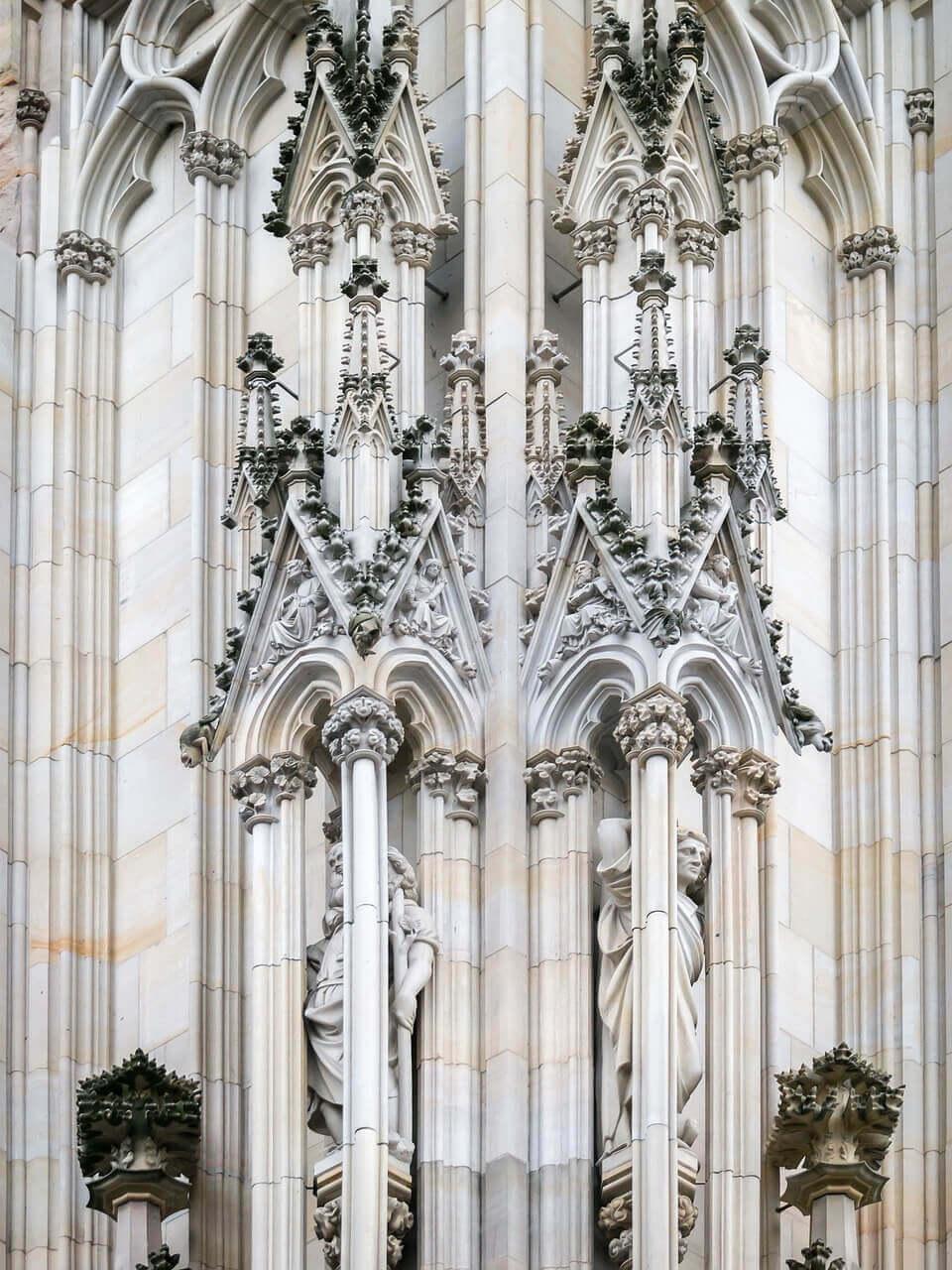 Кельнский собор в готическом стиле