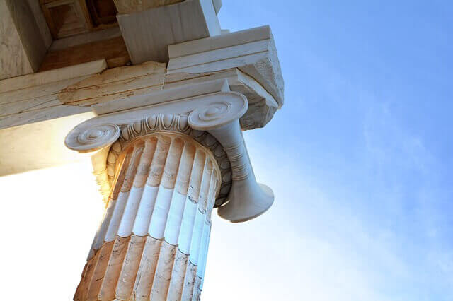 Колонна храма Парфенон