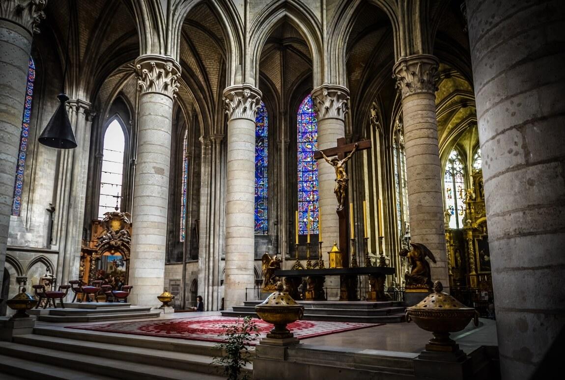 Внутри Руанского собора