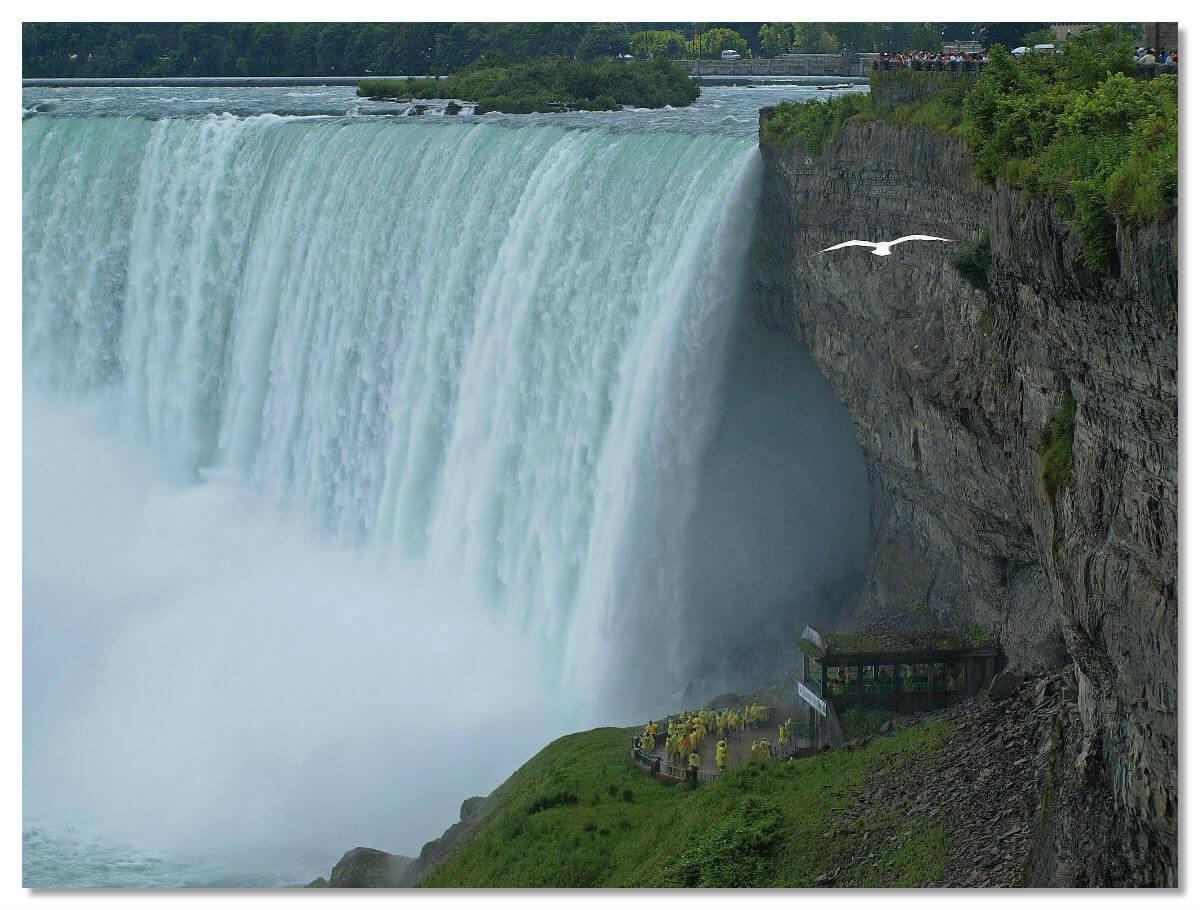 Смотровые площадки около водопада