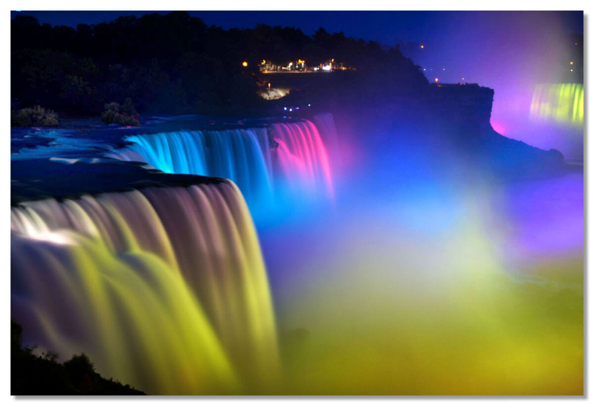Световое шоу Ниагарского водопада