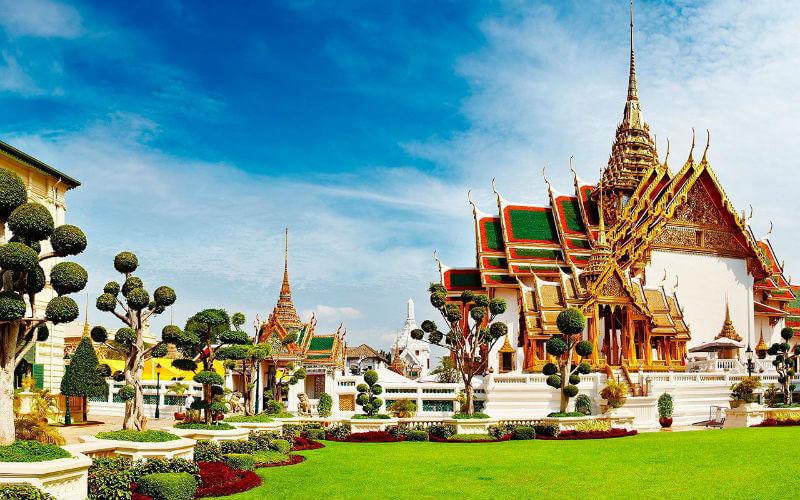 Королевский дворец в Бангкоке закрыт