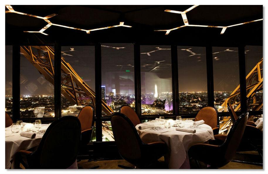 Ресторан на Эйфелевой башне