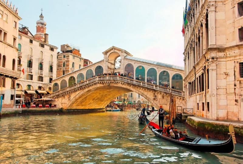 Венецианцы снова возмущены туристами
