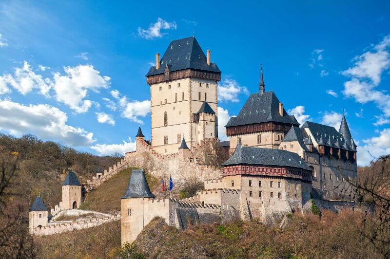 Замок Карлштейн скоро откроется