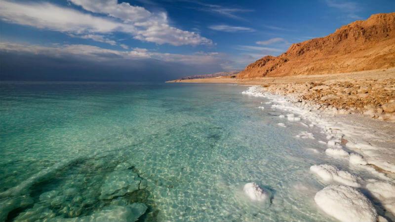 К сведению желающих провести отдых на берегу Мертвого моря