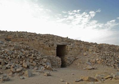 Вход в укрепленный комплекс храма
