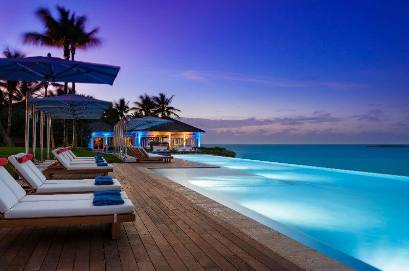 Возрожденный отель на Багамах