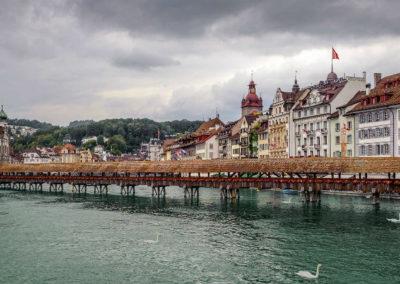 Капельбрюкке — любимый мост фотографов в Люцерне, Швейцария