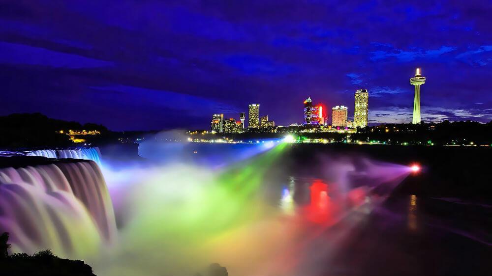 Подсвеченный Ниагарский водопад засияет новыми огнями