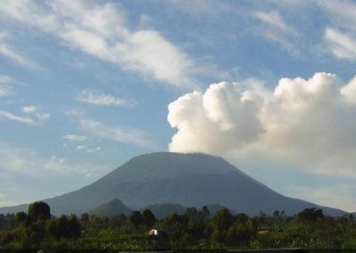Вид на Ньирагонго
