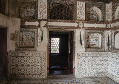 Внутри гробницы в Агре