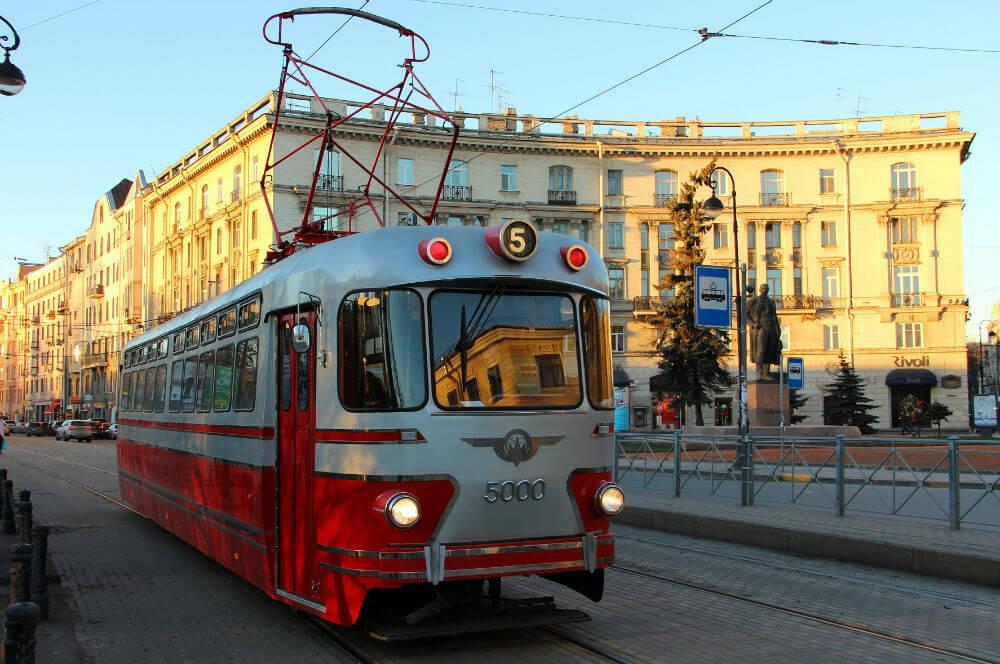 Окунуться в прошлое Санкт-Петербурга