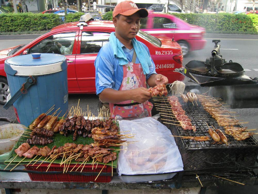 Торговцы едой останутся на улицах Бангкока