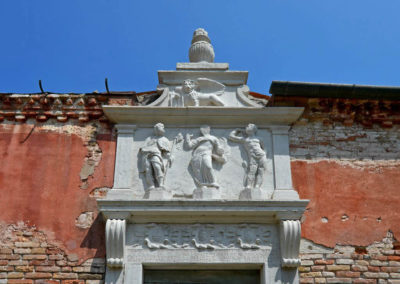 Фасад двери Lazzaretto Vecchio