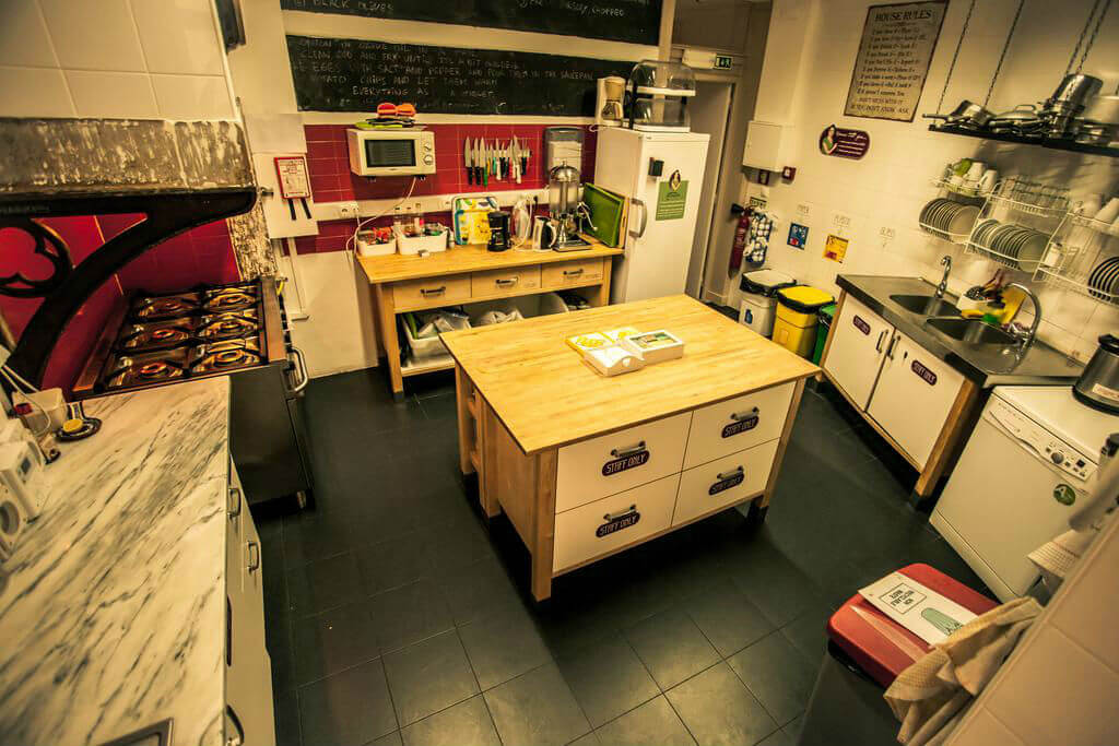 Кухня в хостеле Home Hostel
