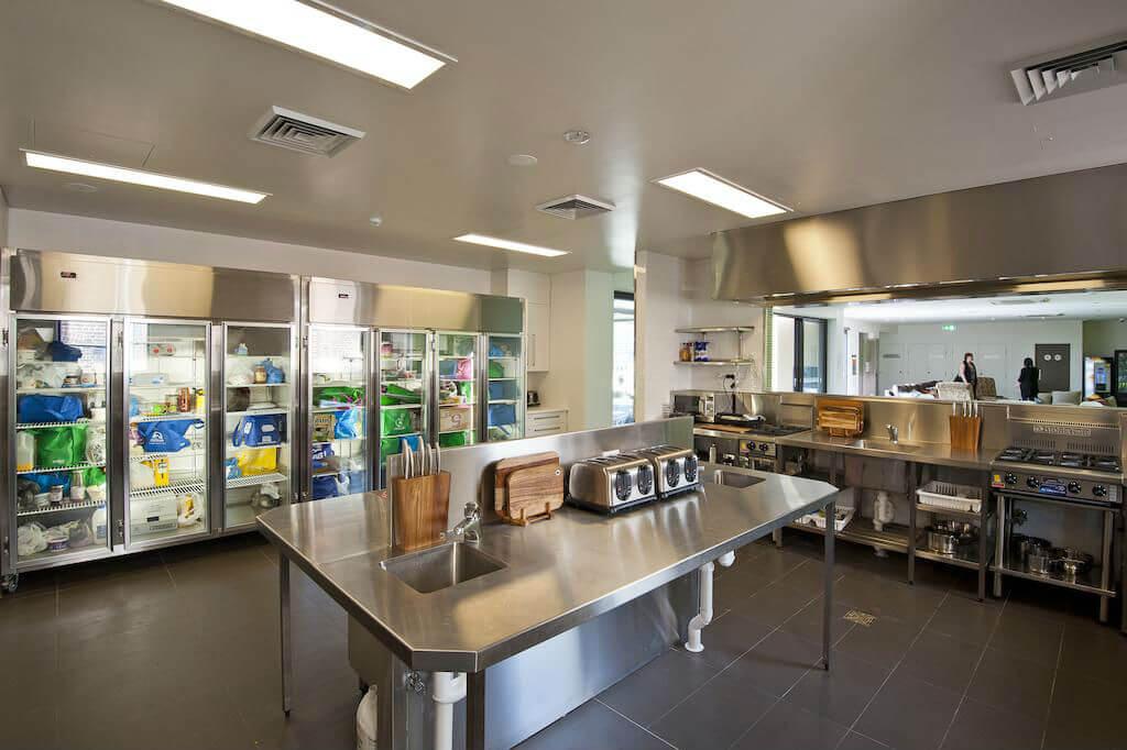 Кухня в сиднейском хостеле Bounce Sydney