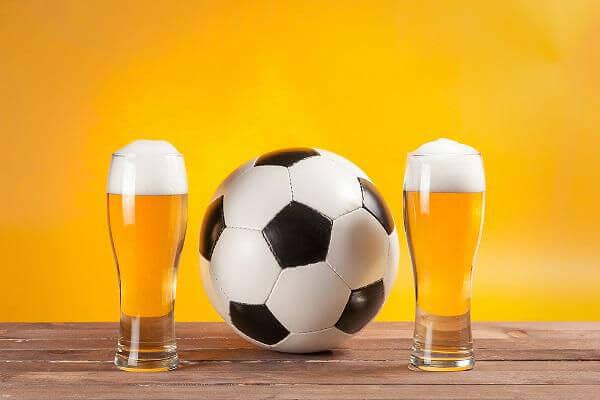 Пиву на футболе быть
