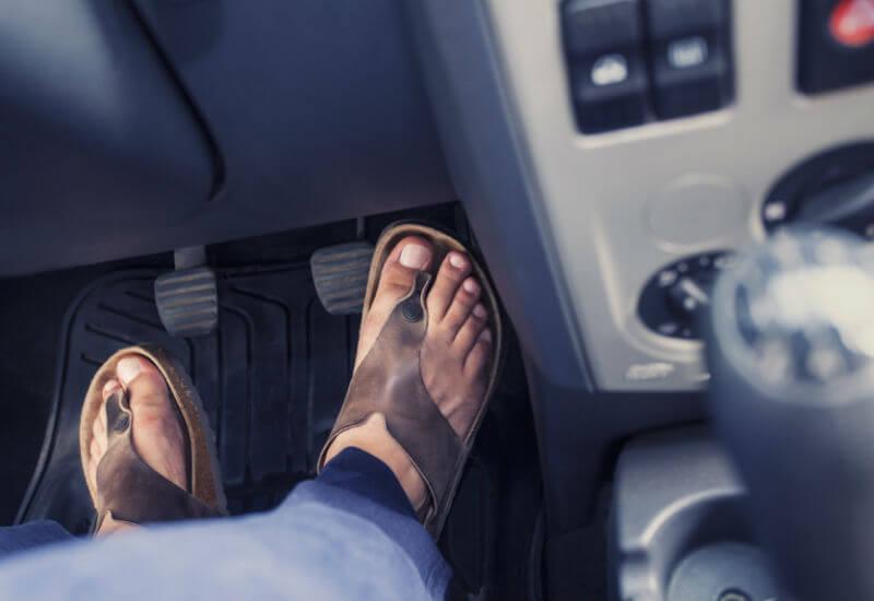 Водитель должен быть правильно одет