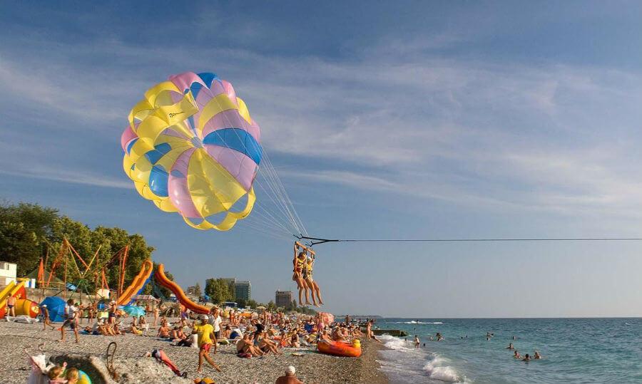 Все меньше туристов отдыхает в Абхазии