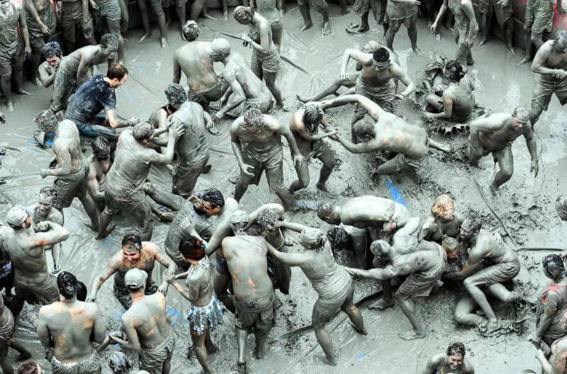 День грязи в Южной Корее