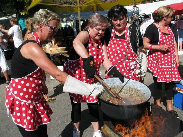«Козья вечеринка»,  фестиваль огурца и гуляша в Чехии