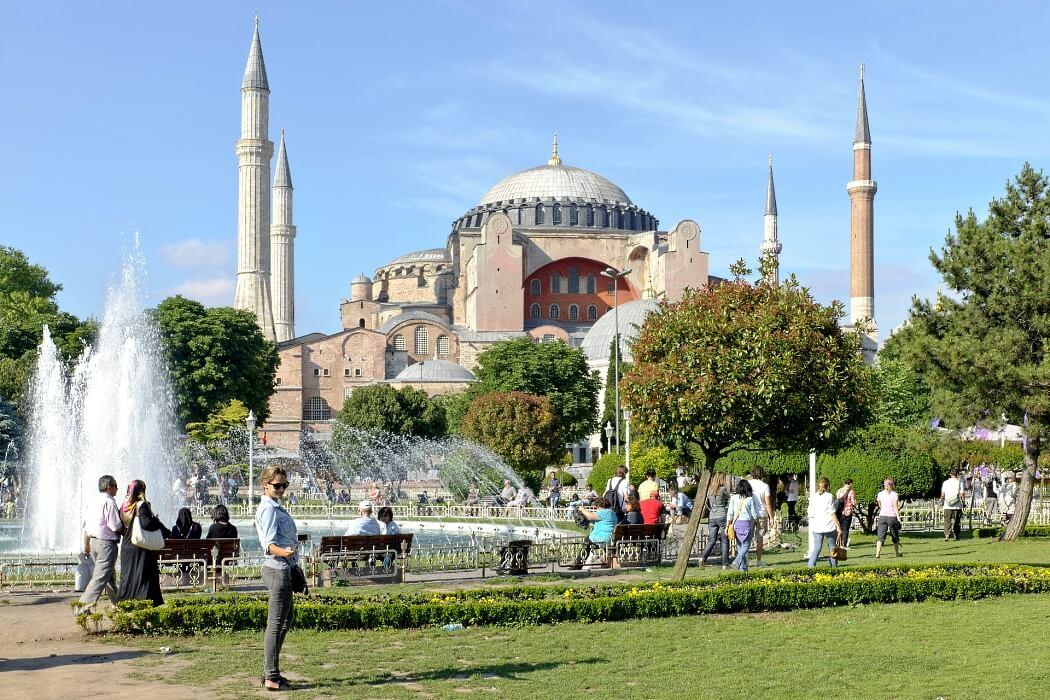 Айя-София — ни храм и ни мечеть